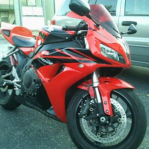 2007 Honda CBR1000RR, 9k miles, full yoshimura RS5r exhaust, PCIII, Velocity stacks, RK quik excel sprocket kit, 196mph flat out.....damn